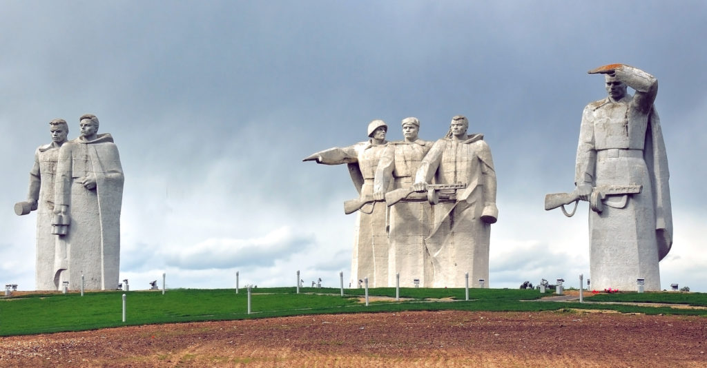 Подвиг народа – мемориал Героям-панфиловцам