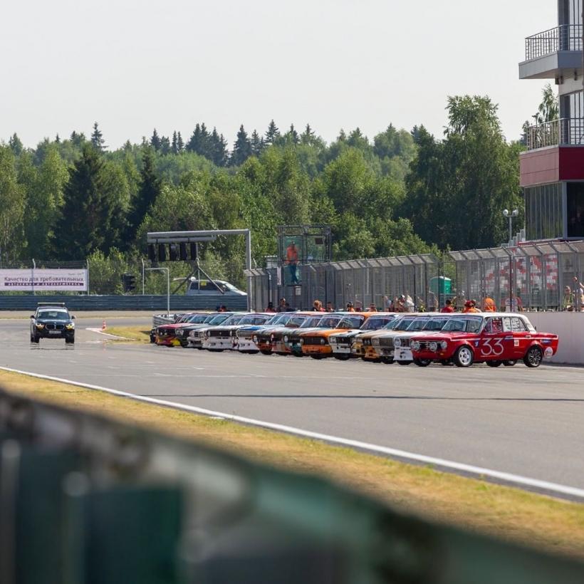 Уникальная суточная гонка прошла на автодроме в Волоколамском округе