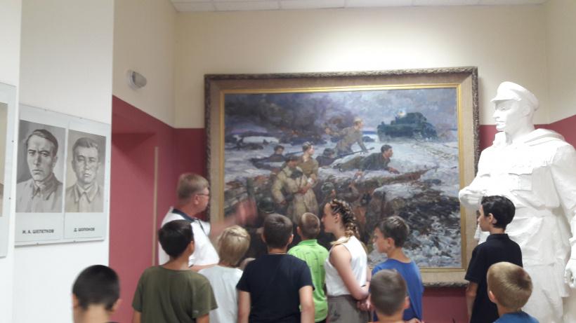 Воспитанники Лотошинского социально-реабилитационного центра посетили музей героев-панфиловцев