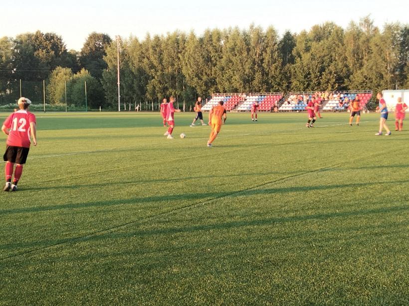 На лотошинском стадионе прошли игры первенства Волоколамского г.о. по футболу