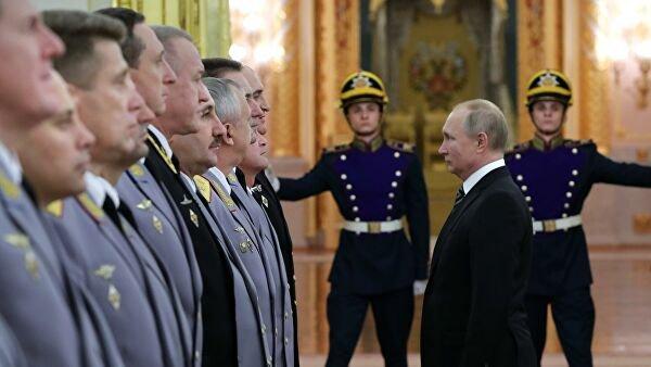 Путин предложил продлить высшим офицерам предельный срок службы после 70 лет