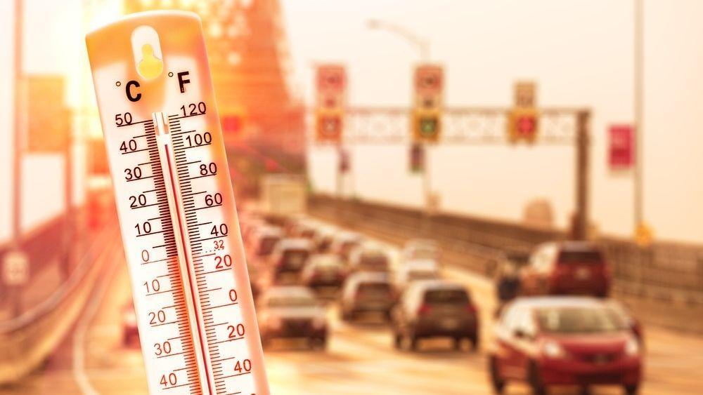 Жителей Московского региона предупредили о сухих грозах и новом рекорде жары