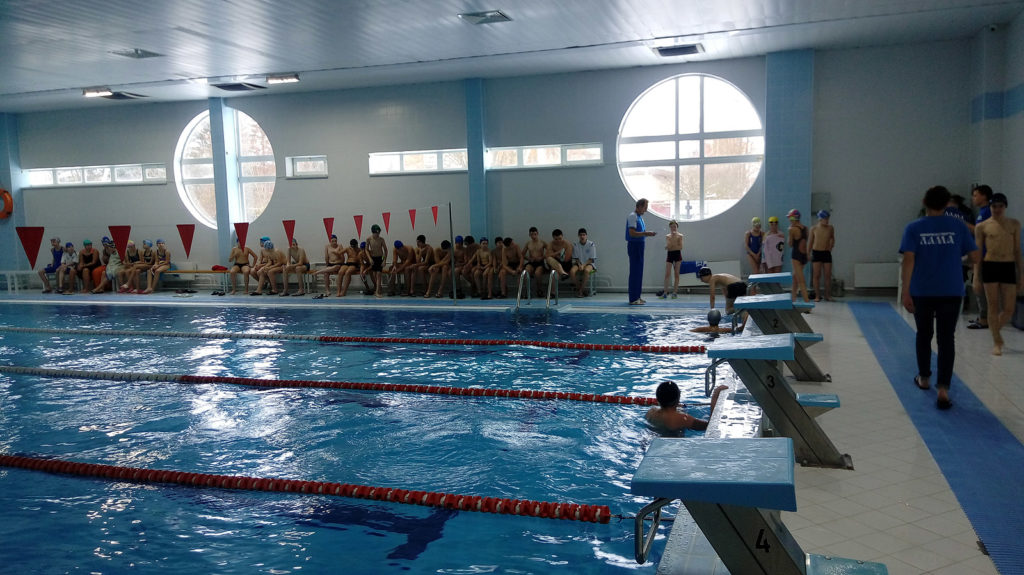 Спортивная секция по плаванию во дворце спорта «Лама»