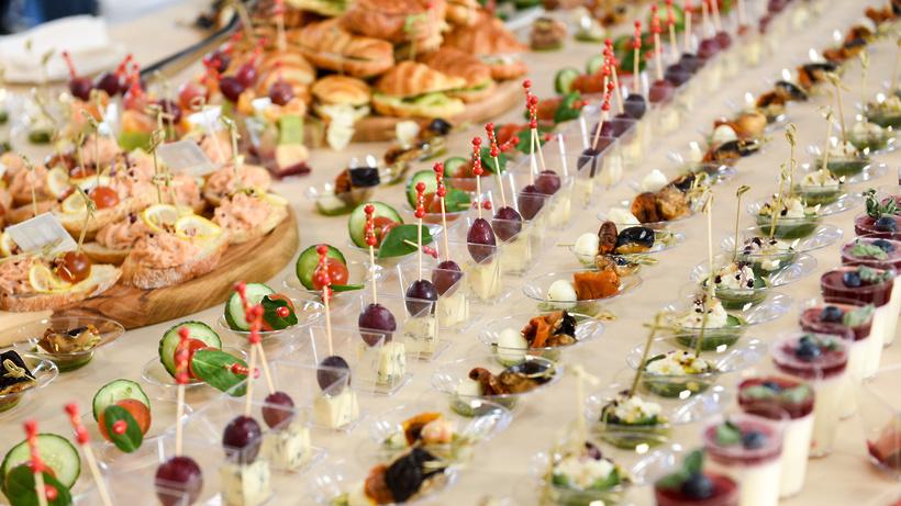 Банкеты и свадьбы в Москве разрешили проводить только в Covid‑free ресторанах