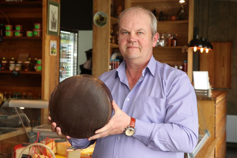Шаховской фермер Валерий Ройгас представит на областном гастрономическом фестивале 15 сортов сыра