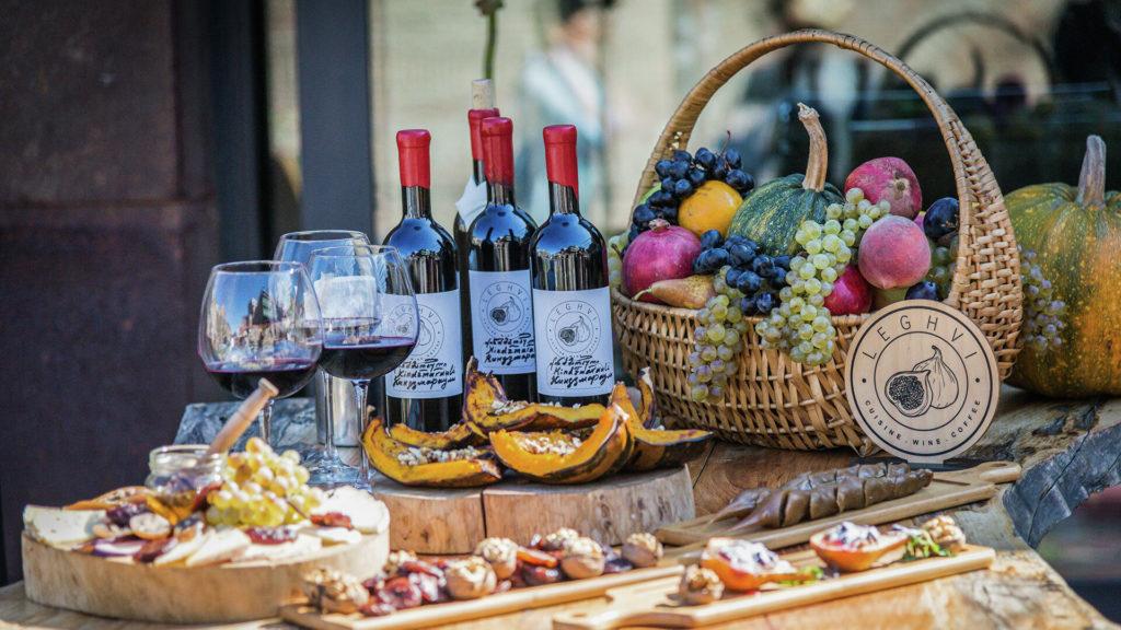 Ученые объяснили включение вина в рекомендации по здоровому питанию