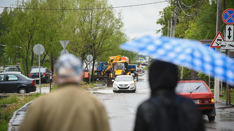 Жителей Подмосковья предупредили о грозе и дожде до конца суток