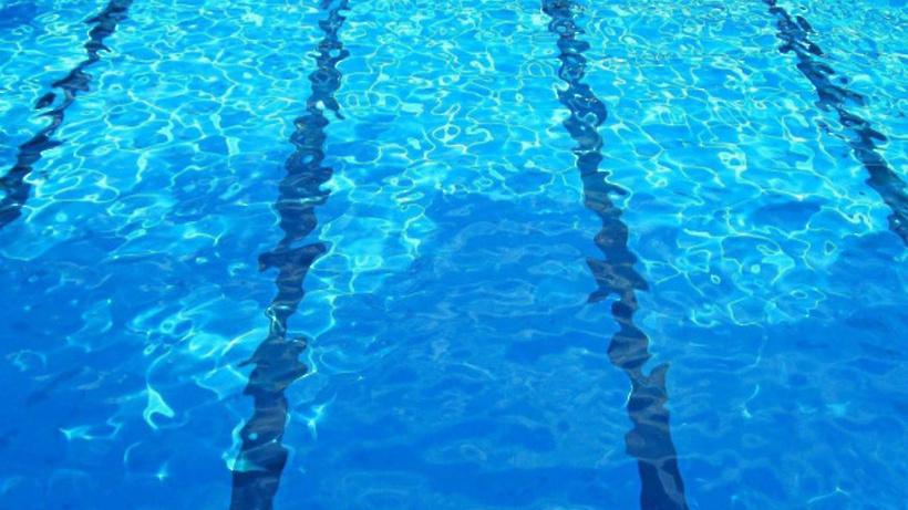 В Подмосковье планируют запустить программу по обучению детей плаванию