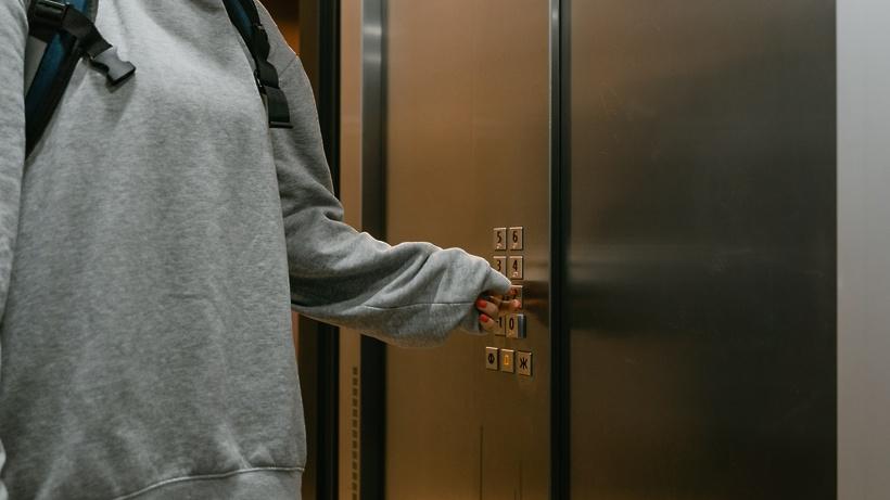 Более 11,5 тыс лифтов заменили в Подмосковье в рамках программы капремонта