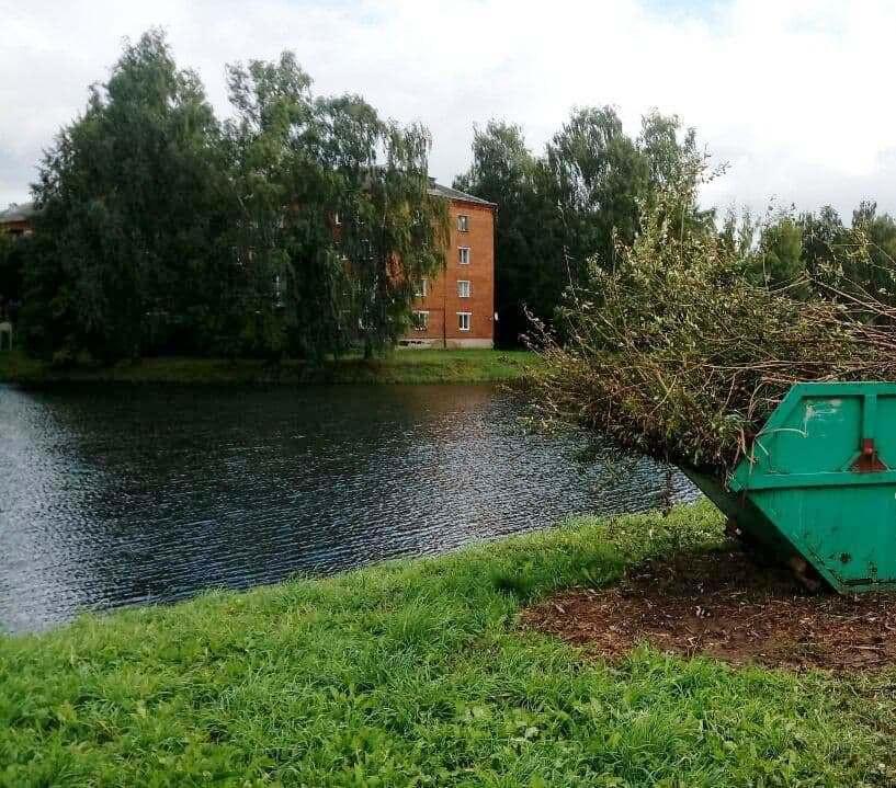 В поселке Лотошино расчистили Красный ручей
