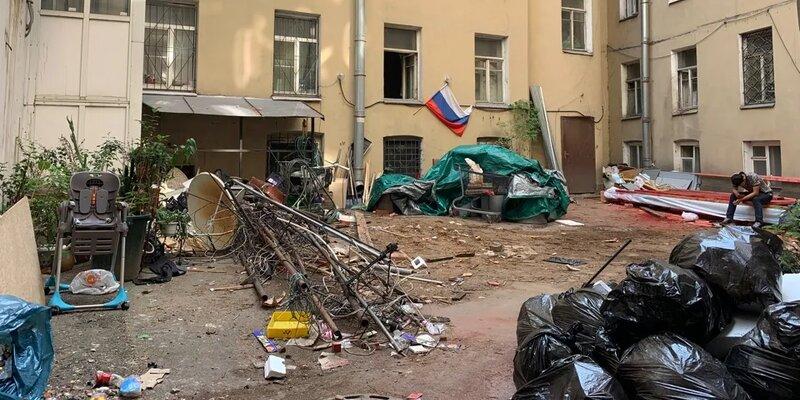 В подвале дома в Петербурге нашли тело девушки