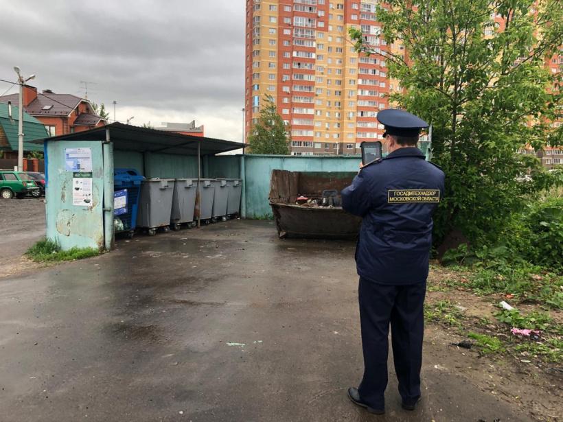 Более 20 нарушений в содержании контейнерных площадок пресечено Госадмтехнадзором в горокруге Шаховская с начала года