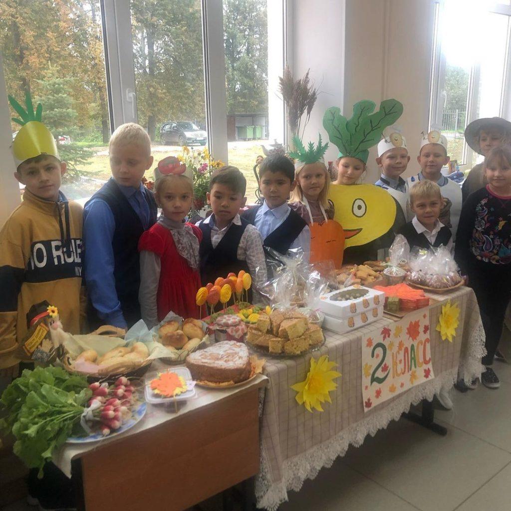 Традиционные осенние ярмарки начались в школах Волоколамского округа