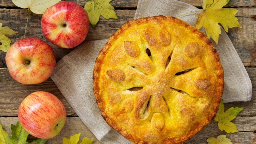 День шарлоток и осенних пирогов: самые оригинальные рецепты