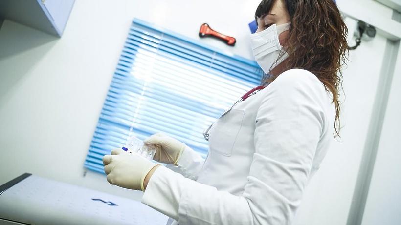 Почти 65 тыс жителей Подмосковья ревакцинировались от коронавируса