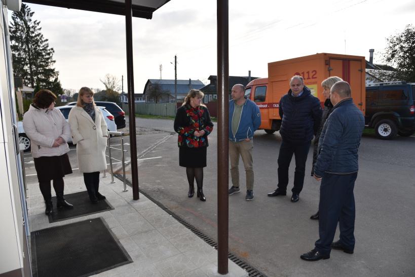 Глава округа проверила выполнение ремонтных работ в Лотошинском МФЦ
