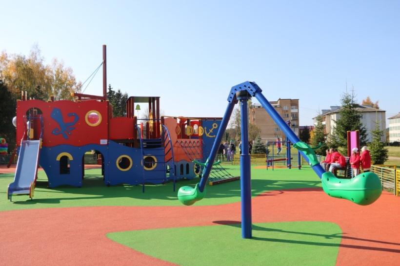 Новый детский игровой комплекс на радость юным лотошинцам