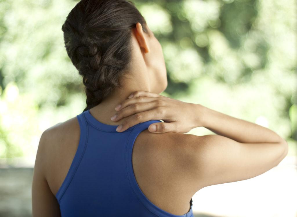 Как сохранить осанку и избавиться от боли в шее и спине